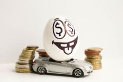 到达天空的企业概念金黄回归键所有权 企业汽车设计要素 一个鸡蛋 免版税库存图片