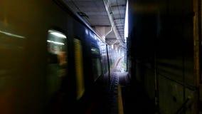 到达对地铁的火车 股票录像