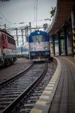 到达对布拉索夫总台的火车 库存照片