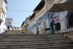 到达的台阶Pushkar神圣的湖 免版税库存照片