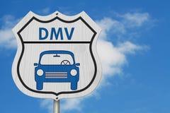 到DMV高速公路标志的参观 库存照片