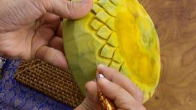 制作在一个花卉样式的夫人的手南瓜 泰国的样式 库存照片
