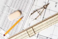 制图纸、工具和计划的准备在ta 库存图片
