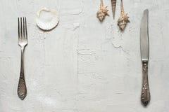 制表与叉子的在海样式的设置和刀子 免版税图库摄影