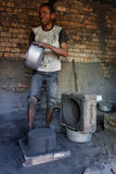 制造业从抢救的材料的厨房工具 图库摄影