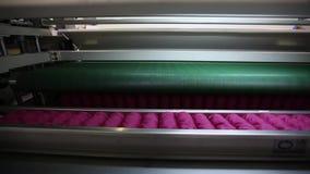 制造床垫,床垫植物,床垫单位,内部,户内,现代工厂,内部,特写镜头 股票视频