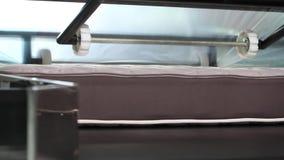 制造床垫,床垫植物,床垫单位,内部,户内,现代工厂,内部,特写镜头 影视素材