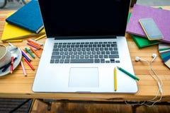 绘制配电器等级附注办公室笔百分比安排典型的视图工作图表 免版税库存照片