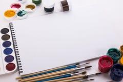 刷子和册页画的 免版税库存照片