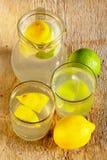刷新在家做的Limonade 图库摄影