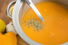 刷新的圆滑的人或纯汁浓汤 免版税库存图片
