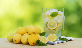 刷新的柠檬水 免版税库存照片