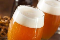 刷新的比利时琥珀色的强麦酒啤酒 免版税库存图片
