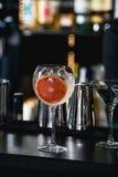 刷新的红宝石coctail用葡萄果子 免版税库存照片
