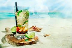 刷新的被冰的兰姆酒mojito鸡尾酒 库存图片