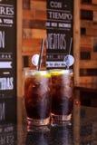 刷新的饮料为没有非常酒精的夏天 免版税库存照片