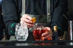 刷新的鲜红色的鸡尾酒用葡萄果子 免版税库存图片