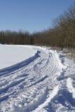刹车痕到snowscape里 免版税图库摄影