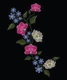 刺绣缝与兰花、木兰和hepatica花 免版税库存照片