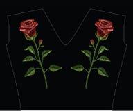 刺绣缝与红色玫瑰,并且绿色在淡色col离开 免版税库存照片