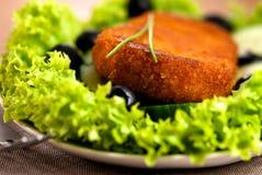 剁新鲜的猪肉蔬菜 图库摄影