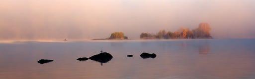 前哨基地有雾的秋天 库存图片