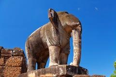 前大象rup雕象寺庙 免版税库存照片