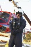前救伤直升机医务人员纵向身分 库存图片