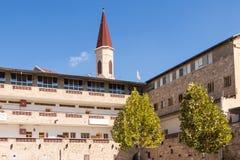 前教练的旅馆堡垒的疆土的可汗ElFaranj在老城英亩在以色列 免版税库存照片