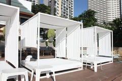 前旅馆帐篷白色 免版税库存图片