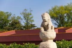 前狮子石头天安门 图库摄影