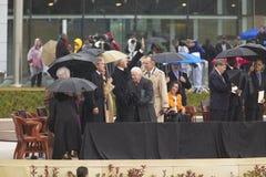 前美国总统托马斯・杰斐逊在附注的正面以为特色 S 比尔・克林顿总统从乔治W总统陪同的阶段挥动 布什,前总统的吉米・卡特 库存图片