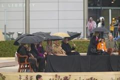 前美国总统比尔・克林顿,前美国第一夫人和当前美国参议员希拉里・克林顿, D- NY,他们的女儿Chelsea和其他在威廉J.克林顿总统中心的盛大开幕式仪式的期间阶段在小石城的, AK 2004年11月18日 希拉里・克林顿、D- NY,他们的女儿切尔西和ot 免版税库存图片