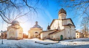 前老沃兹涅先斯基修道院的大厦 免版税库存照片