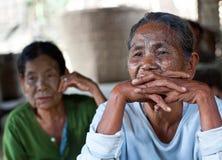 前被刺字的缅甸人奇恩角部落妇女 库存照片