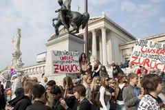 前议会学生碰撞维也纳 免版税库存照片