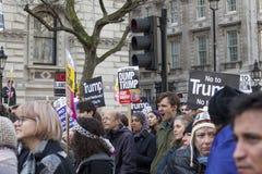 前进在伦敦的抗议者没有回教禁令示范 图库摄影