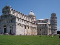 前面的大教堂在广场del duomo 免版税库存照片