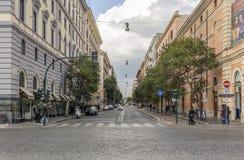 前面观点的通过向导在罗马,意大利 库存照片