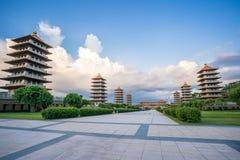 前面霍尔和八座塔的看法佛光山菩萨寺庙的 美好和平安的情景 免版税库存图片