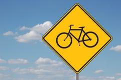 前面bicyles签署警告 库存照片