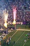前NFL橄榄球比赛烟花! 免版税库存图片
