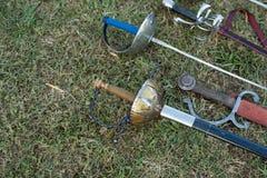 剑和军刀 免版税库存照片