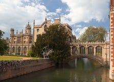 剑桥学院约翰s st英国 库存图片