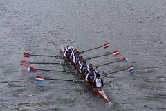 剑桥小船俱乐部在查尔斯赛船会人的冠军Eights头赛跑  免版税图库摄影