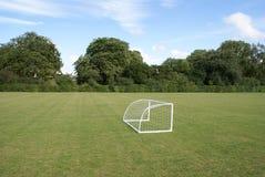剑桥微型橄榄球的目标 免版税库存图片