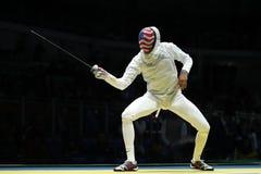 击剑者英里Chamley华森美国在里约2016年奥运会的人` s队箔竞争在Carioca竞技场3 库存图片