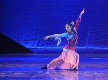 剑舞蹈这舞蹈戏曲神鹰英雄的传奇 免版税库存照片