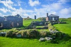剥在圣帕特里克` s小岛的城堡在果皮,曼岛 库存图片