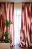 剥离的窗帘 图库摄影
